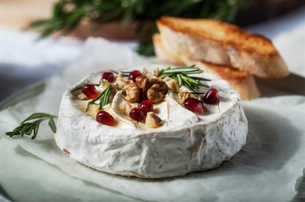 Baked Camembert With Toast And Rosemary